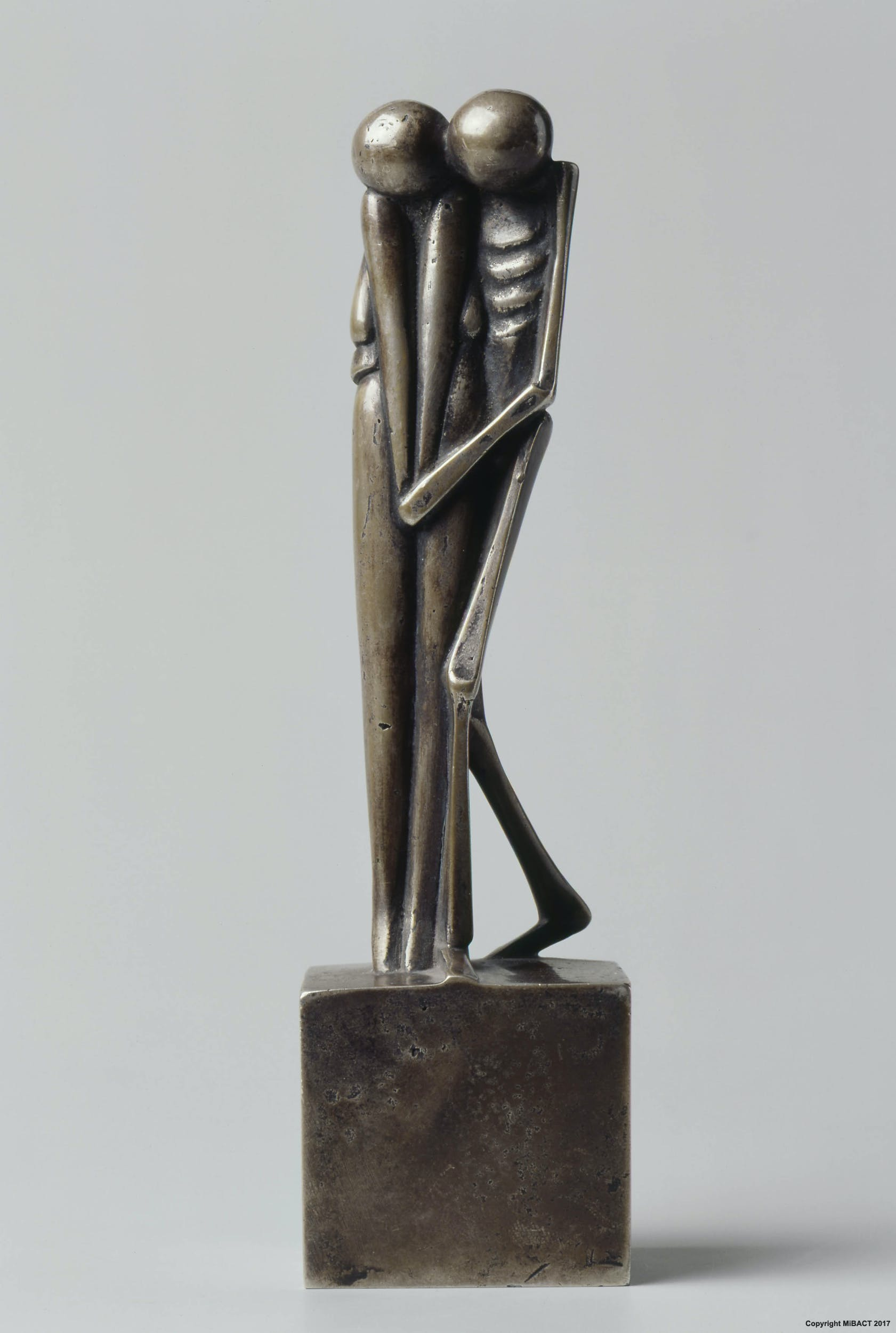 Fritz Koenig Tod und Mädchen 1976, argento, collezione privata