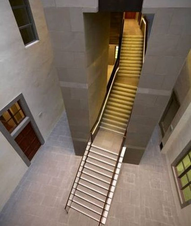 Opening of the staircase by architect Natalini as additional exit of the Uffizi