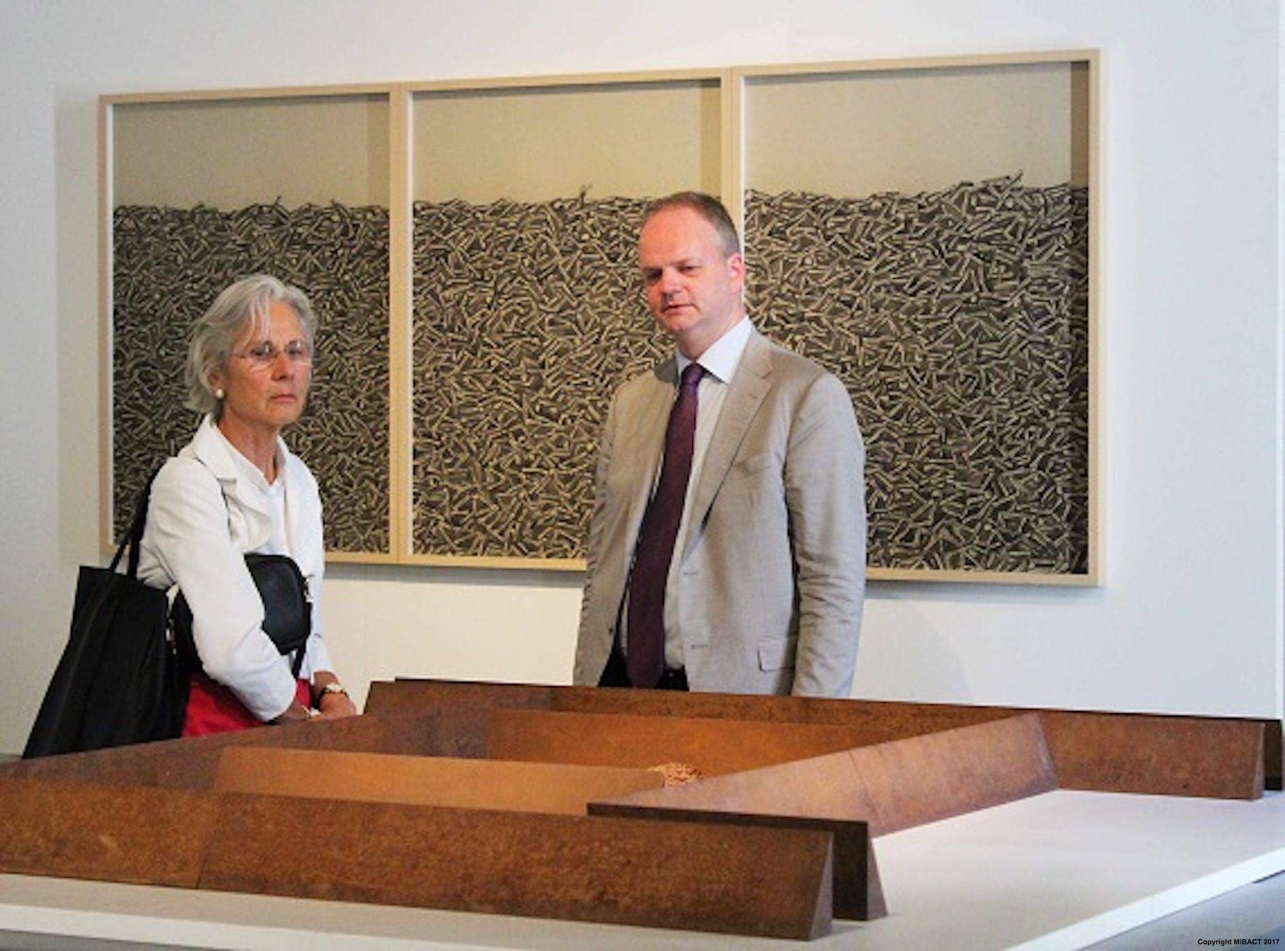 Il Direttore Eike Schmidt con l'ambasciatrice della Repubblica Federale tedesca Susanne Wasum Reiner