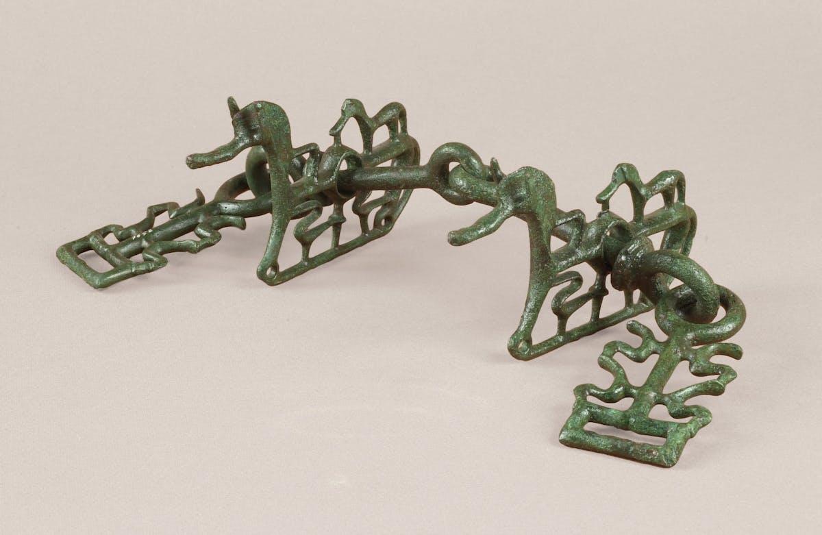 Morso equino con filetto snodabile, fine VIII - inizio VII secolo a.C. Bronzo a fusione piena Firenze, Museo Archeologico Nazionale