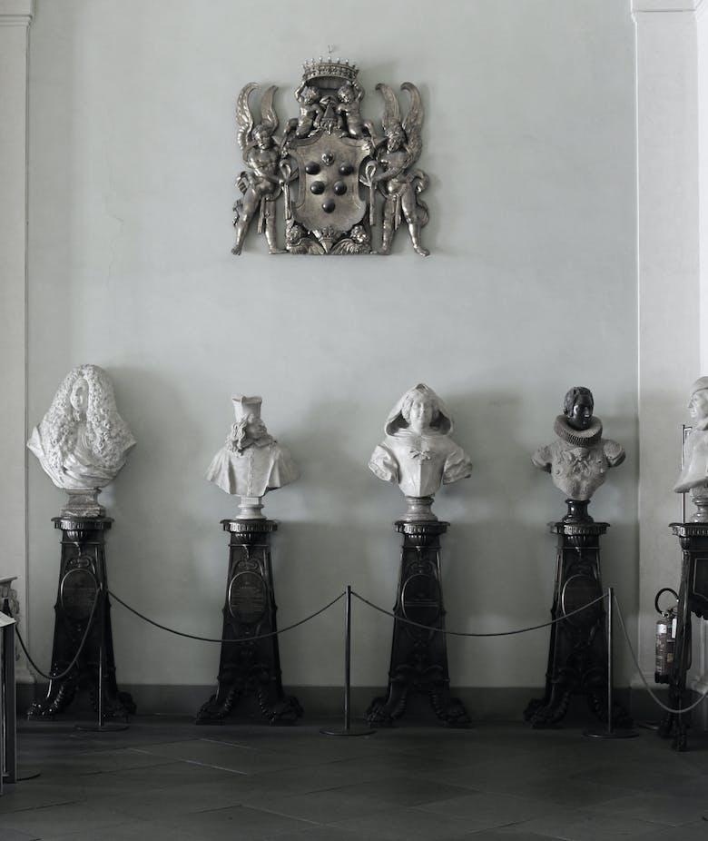Il Granduca dimenticato. La teoria dei busti mediceo-lorenesi e dei loro elogia nell'antiricetto della Galleria delle Statue e delle Pitture