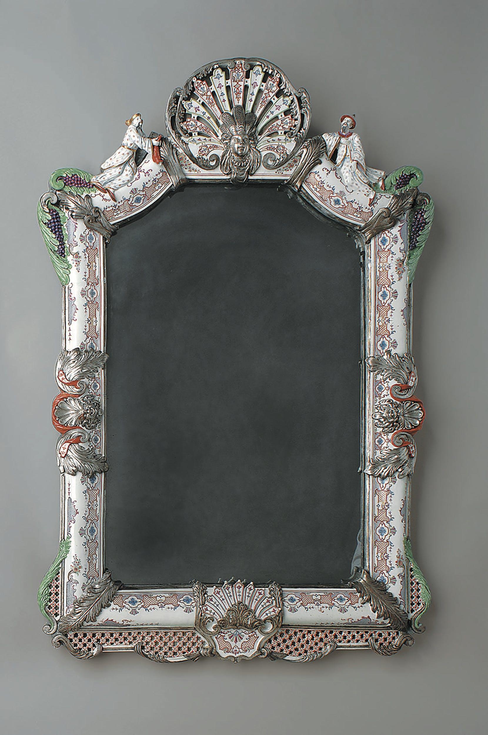 Manifattura Du Paquier, Vienna Cornice da specchio 1730 circa porcellana dipinta in policromia, dorata e argentata Museo Civico d'Arte Antica, Palazzo Madama, Torino