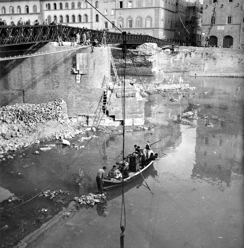 Ponte Santa Trinita - agosto '44