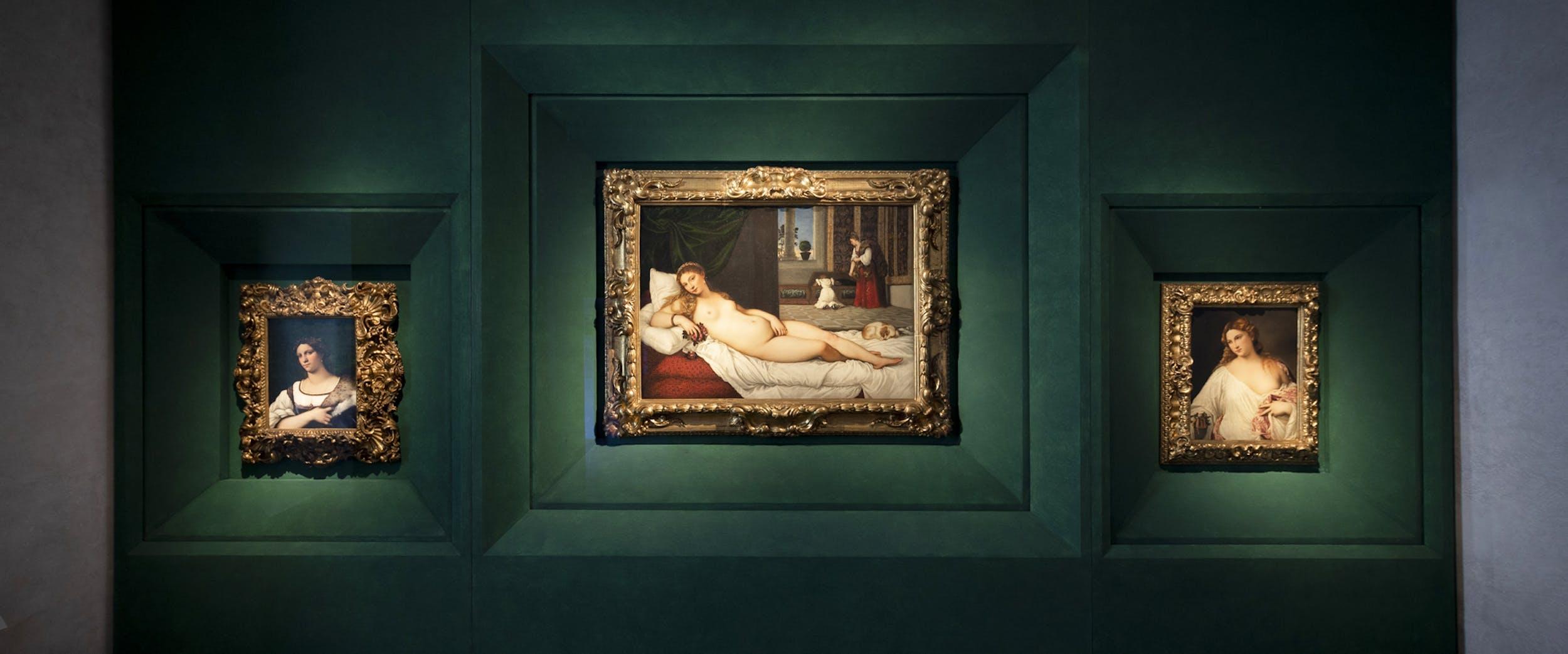 da sinistra a destra: Ritratto della 'Fornarina' di Sebastiano del Piombo, la Venere di Urbino e Flora di Tiziano