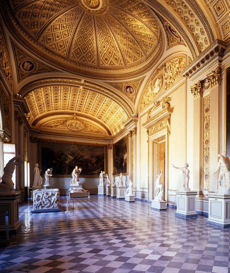 Uffizi open during summer evenings!