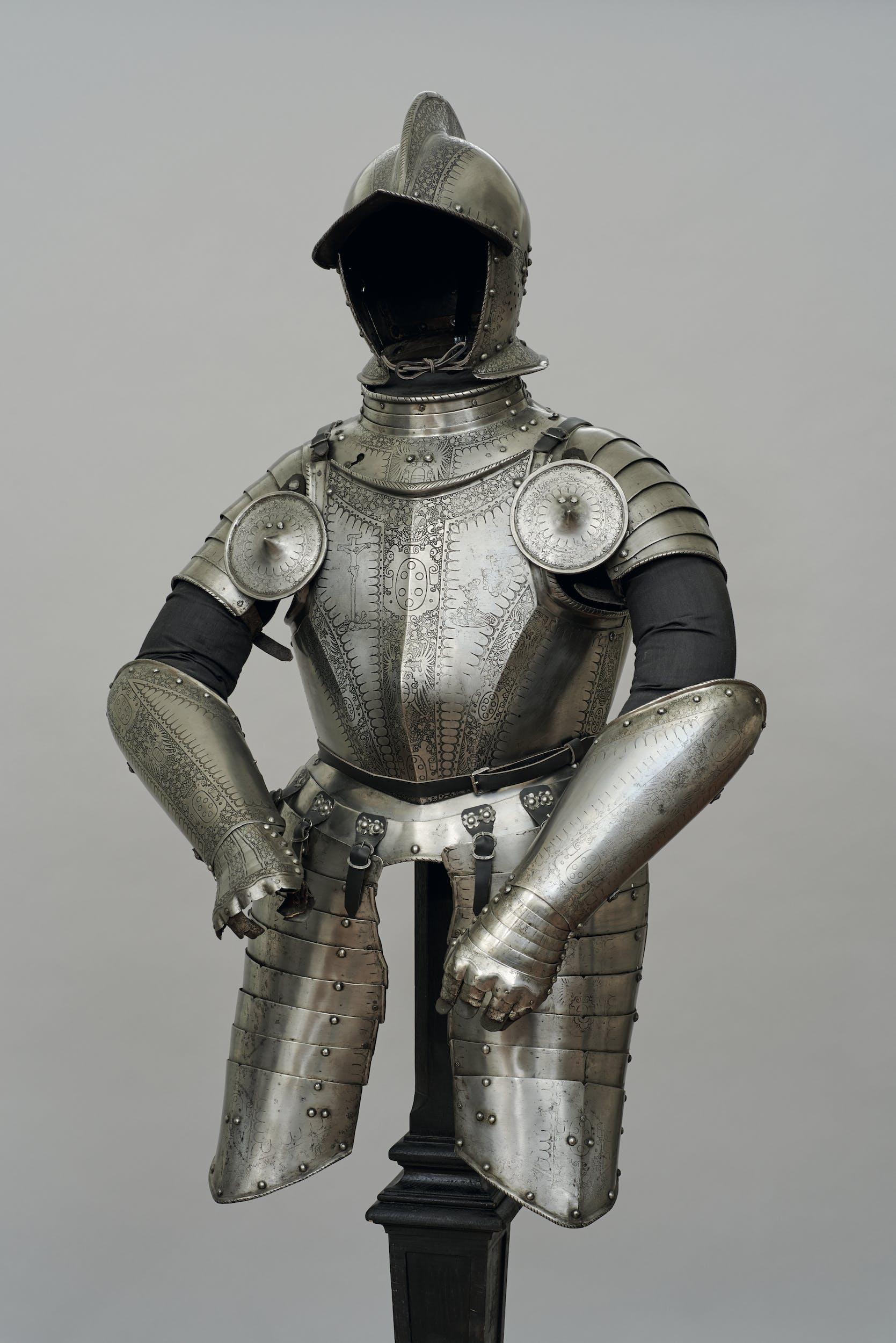 Norimberga (?) Corsaletto da piede (Corsaletto appartenuto a Johann Fernberger von Aur, comandante della Guardia alemanna) 1580 ca. acciaio Kunsthistorisches Museum, Vienna