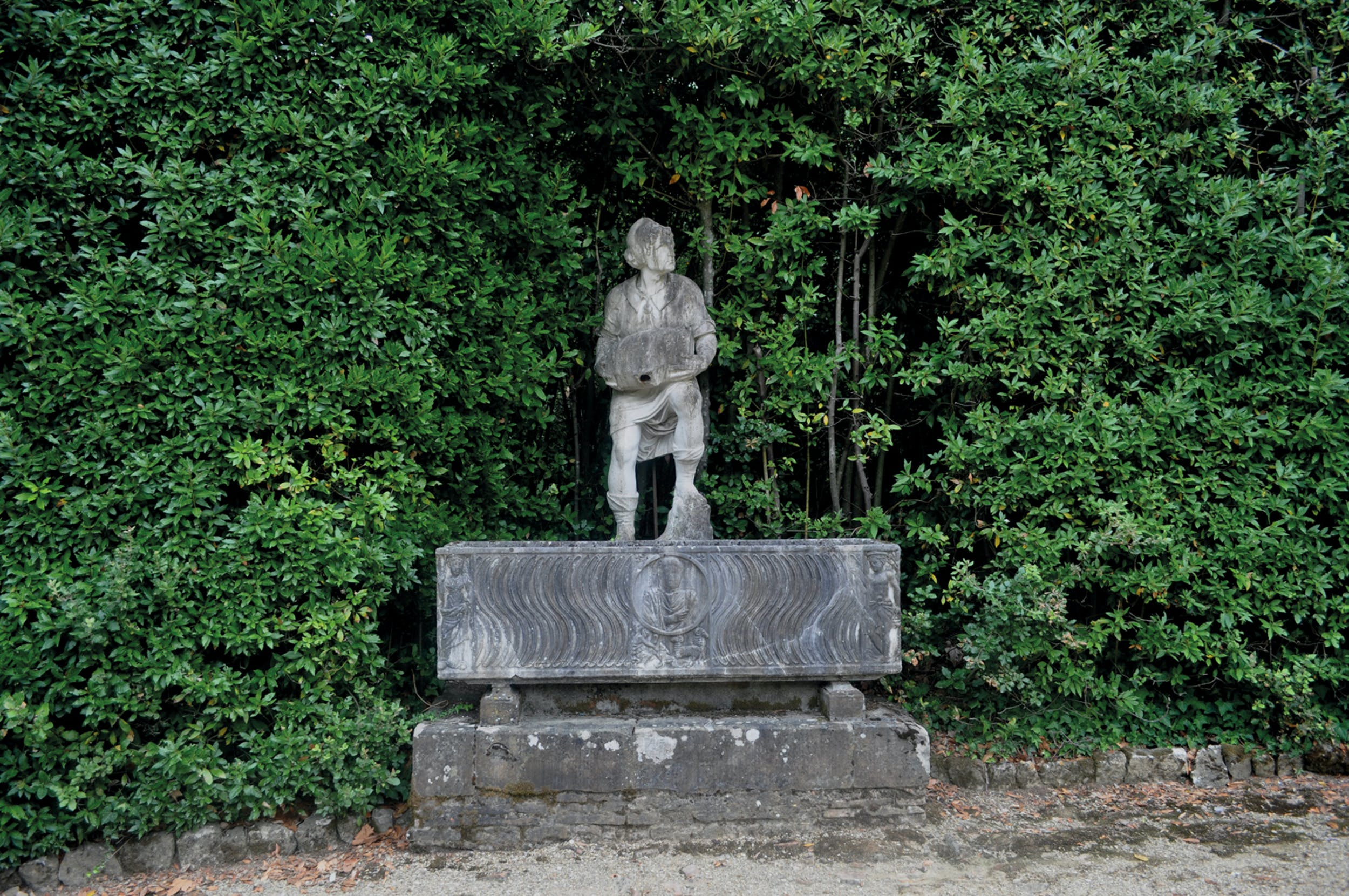 Giovanni di Paolo Fancelli, detto 'Nanni di Stocco' (Settignano, primo decennio del Cinquecento – Firenze 1586) da un modello di Baccio Bandinelli (Firenze 1488-1560) Villano con la botticella, prima del restauro 1556-1557 marmo; 189 x 60 x 57 cm Giardino di Boboli, depositi, Gallerie degli Uffizi, Firenze| Giovanni di Paolo Fancelli, known as  'Nanni di Stocco' (Settignano, first decade of the 16th century – Florence, 1586) after a model byBaccio Bandinelli (Firenze 1488-1560) The Peasant and His Barrel, before restoration 1556-7 marble; 189 x 60 x 57 cm. Giardino di Boboli, storage, Gallerie degli Uffizi, Firenze