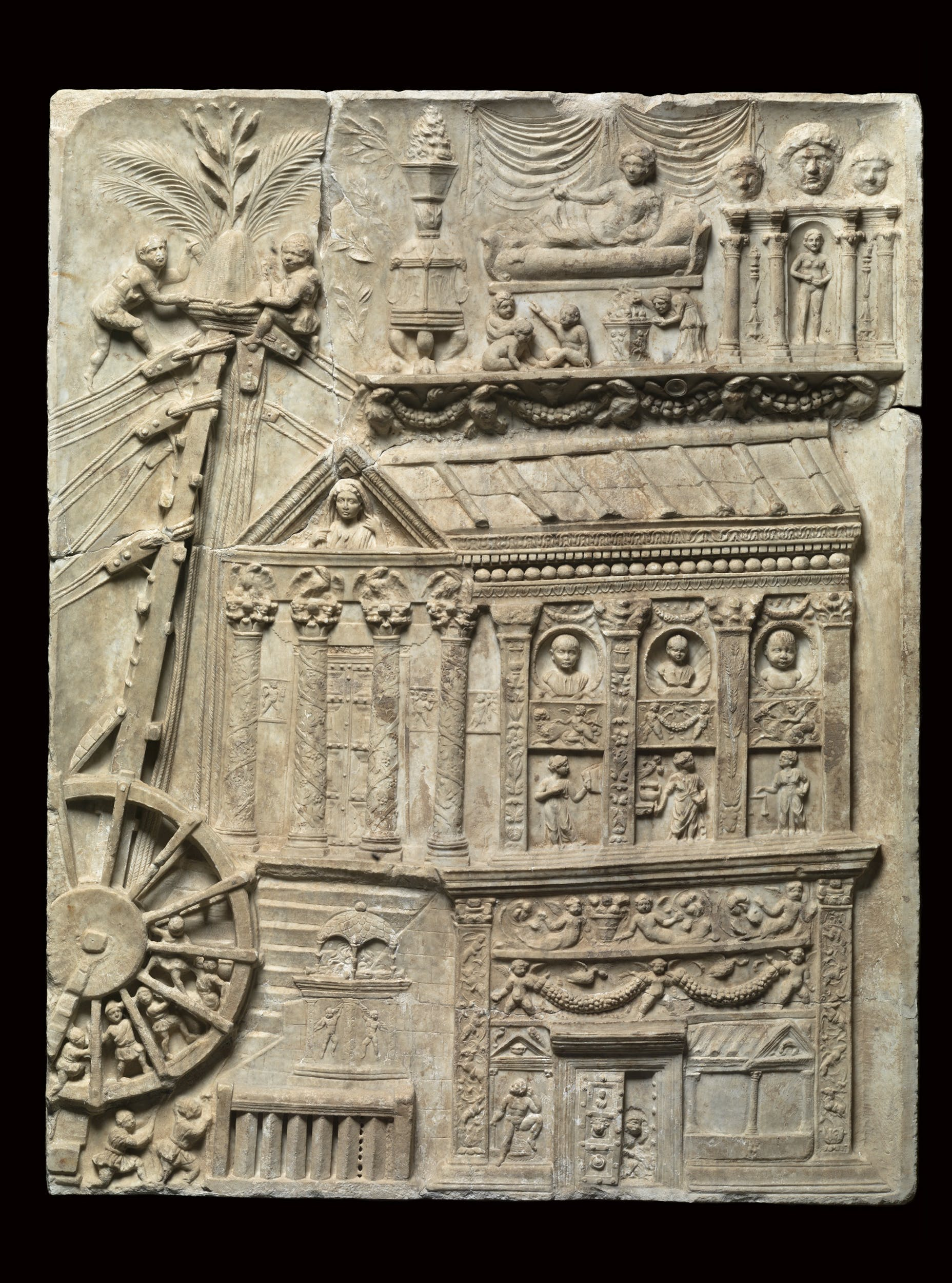 Fig. 12 Rilievo raffigurante un edificio sepolcrale e un macchinario da cantiere 100-120 d.C. circa marmo lunense Museo Gregoriano Profano, Musei Vaticani, Città del Vaticano | Fig. 12 Relief Portraying a Sepulchral Building and a Construction Machine c. 100-120 B.C. Luni marble Museo Gregoriano Profano, Musei Vaticani, Vatican City