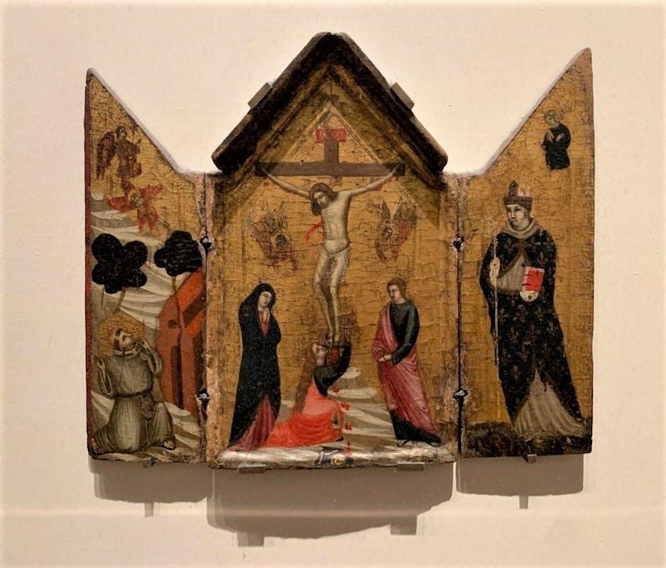 Fig. 1: Pacino di Buonaguida e bottega - Crocifissione con Santa Maria Maddalena (scomparto centrale); San Francesco (scomparto sinistro); San Ludovico di Tolosa (scomparto destro), 1320-1330