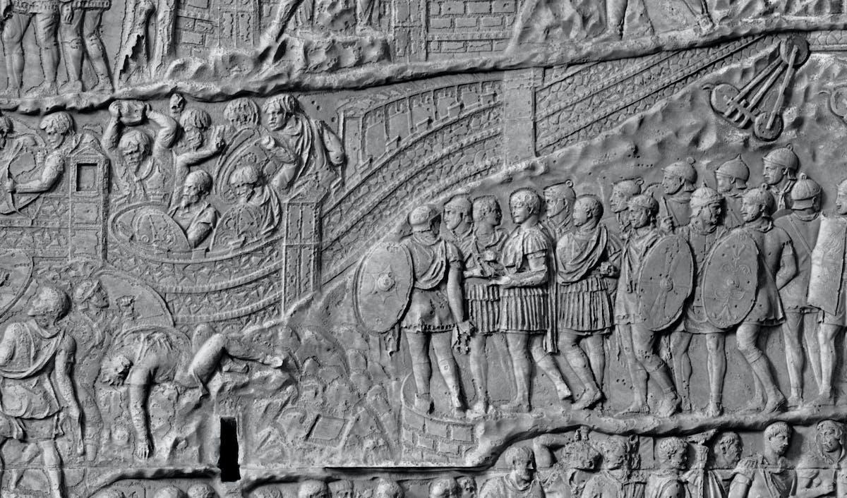 Traiano ai piedi della fortezza dacia assediata dai Romani