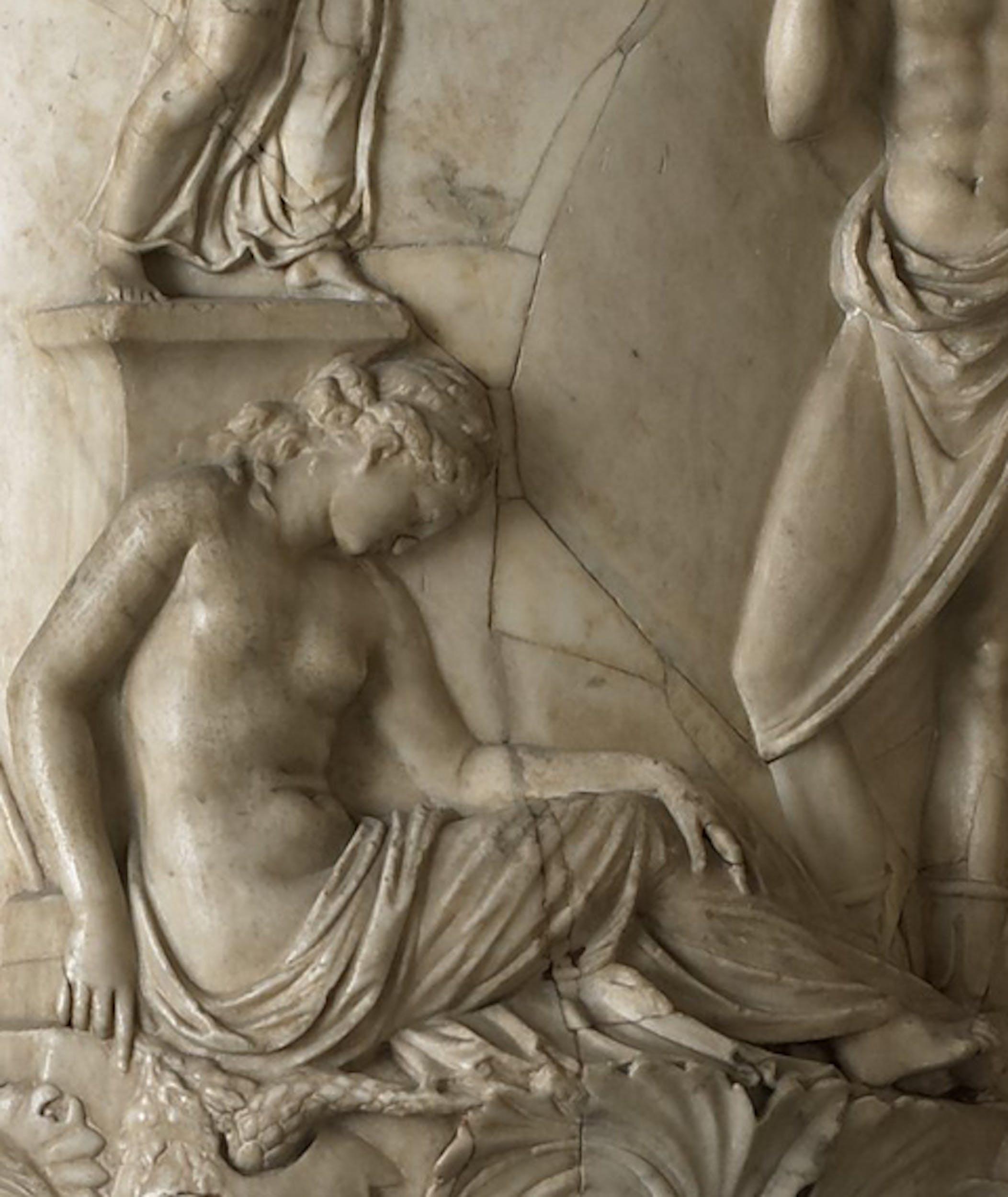 Ifigenia, dettaglio del Vaso Medici 1 secolo a.C., Uffizi, verone