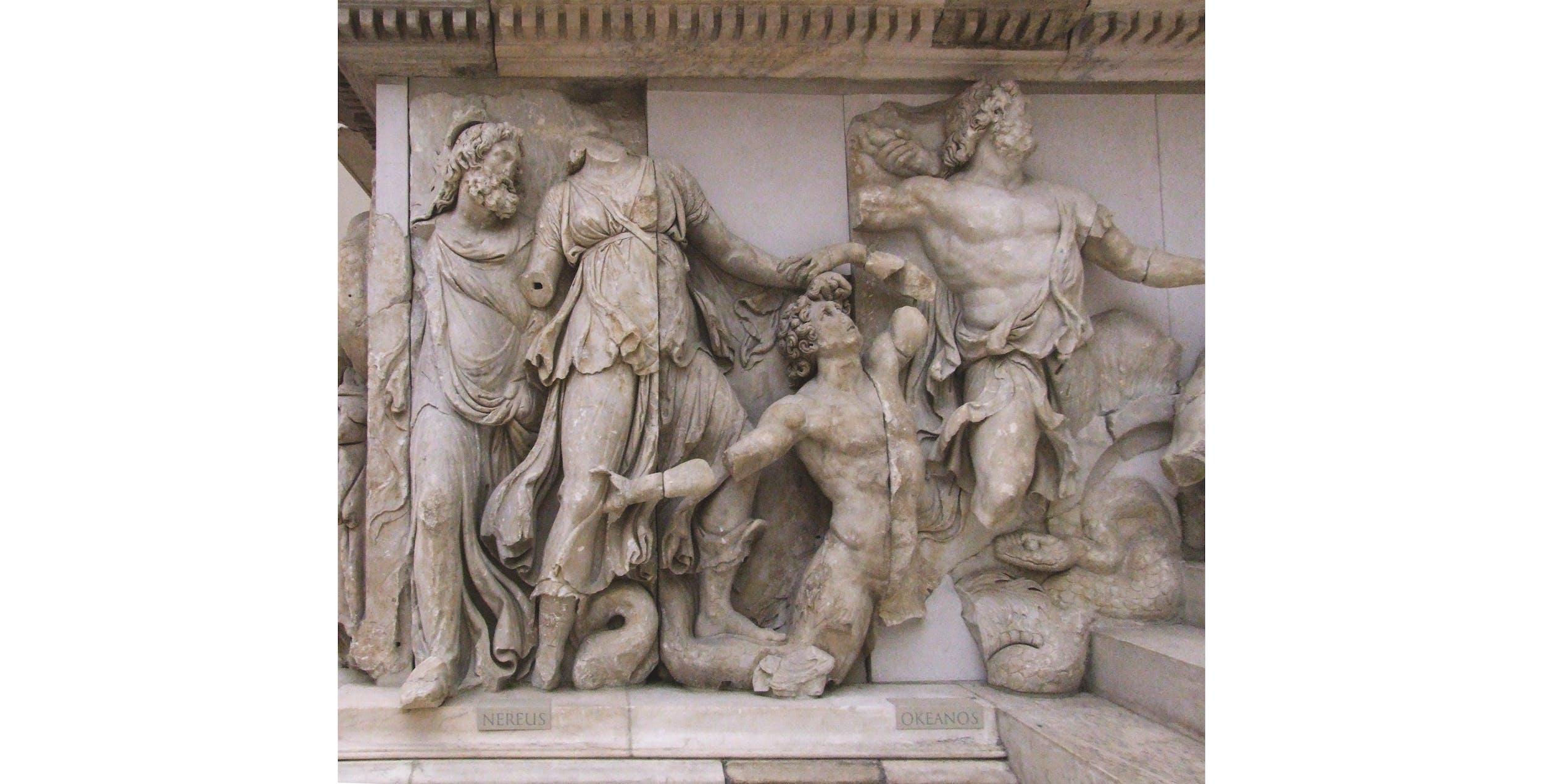 Altare di Pergamo, Nereo, Doris e Oceano.  Berlino, Pergamonmuseum,  II secolo a.C.
