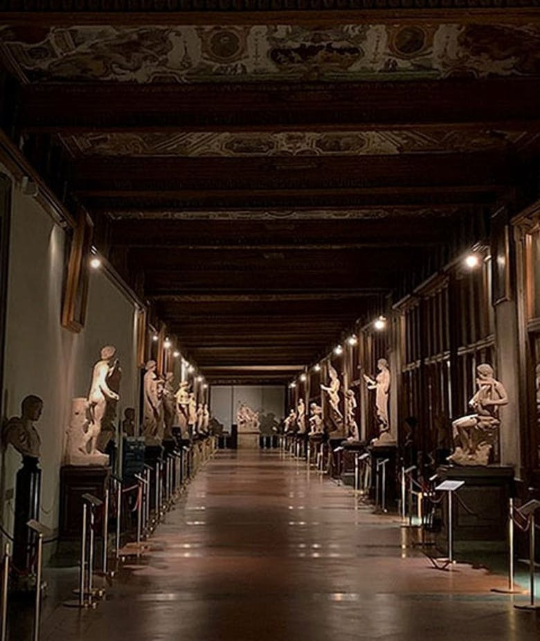 Uffizi by night!