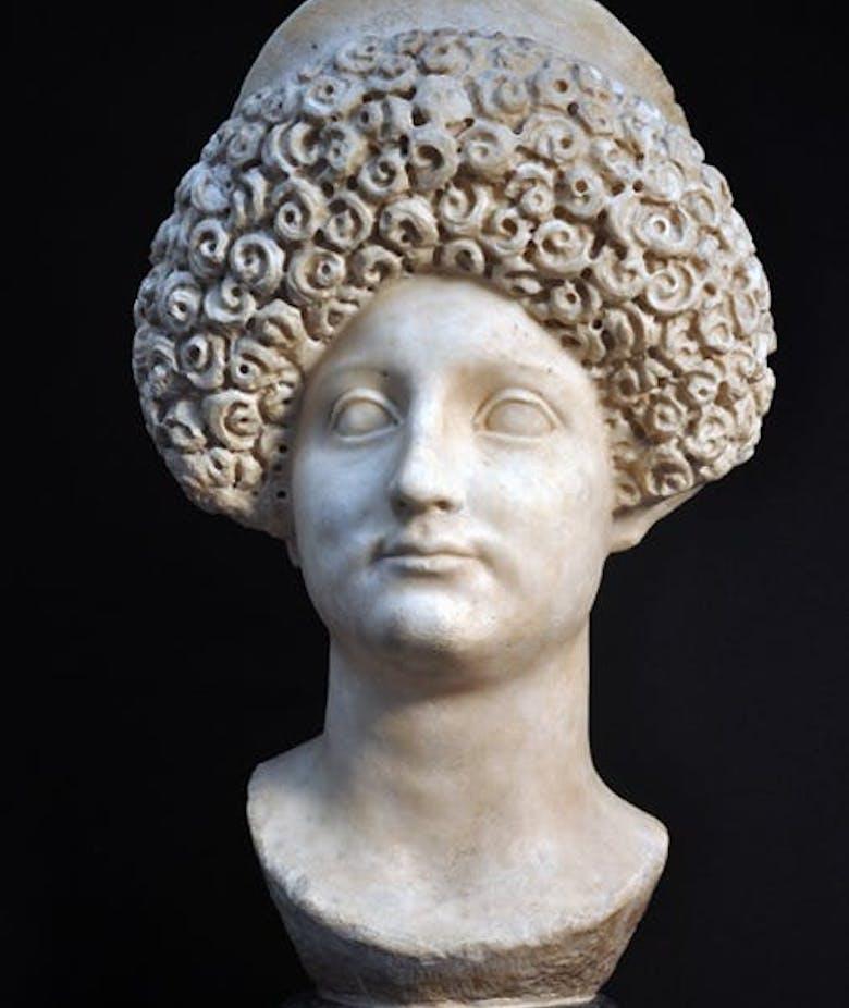Sulla storia collezionistica delle c.d. Iuliae Titii in Galleria